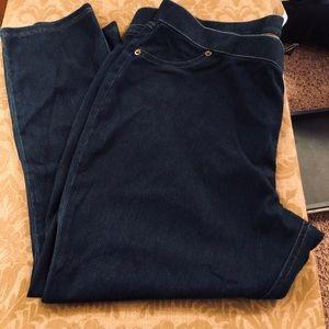 Denim - Comfortable Capri Jeans
